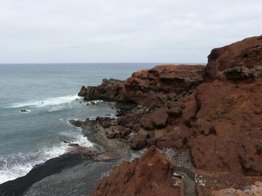 Czarna ziemia Lanzarote - jednej zWysp Kanaryjskich