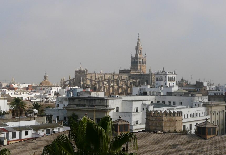 Sewilla, widok zTorre del Oro, Andaluzja, Hiszpania
