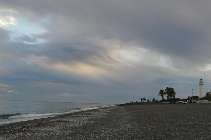 Wieczór wTorre del Mar, Costa del Sol, Hiszpania