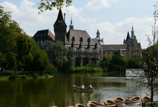 Zamek Vajdahunyad (Vajdahunyadvar), Budapeszt, Węgry
