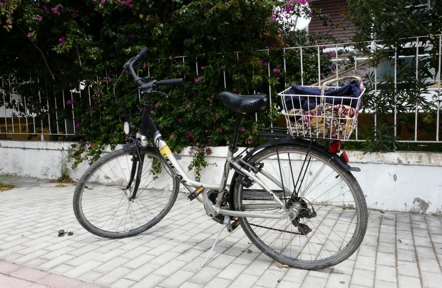 Wypożyczony rower nawyspie Kos, wdrodze doLambi