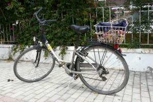 Wypożyczony rower nawyspie Kos, wdrodze doLampi