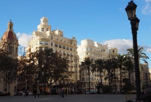 Słonecznie naPlaza del Ayuntamiento, Walencja