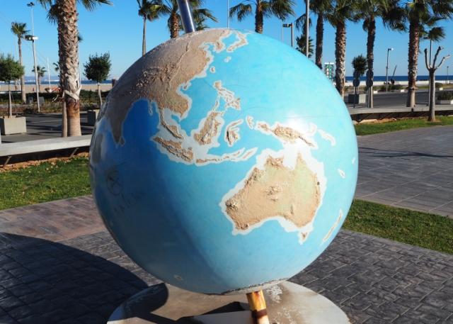 Globus nadmorzem wWalencji