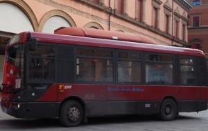 Autobus jeżdżący poBolonii, Włochy