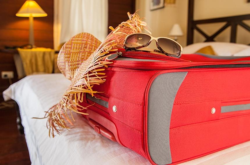 10 rzeczy, które warto zabrać ze sobą w podróż