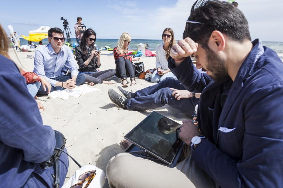 Plaża wsopocie - kreatywna praca wgrupie, Acer nadmorzem