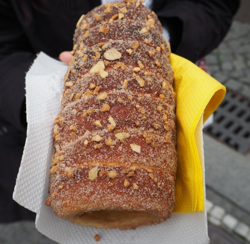 Trdelinik - słodki przysmak wPradze, Czechy