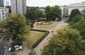 Widok zokna hostelu Oki Doki Warszawa