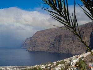 Teneryfa, obowiązkowy punkt każdej wycieczki to Acantilados de los Gigantes