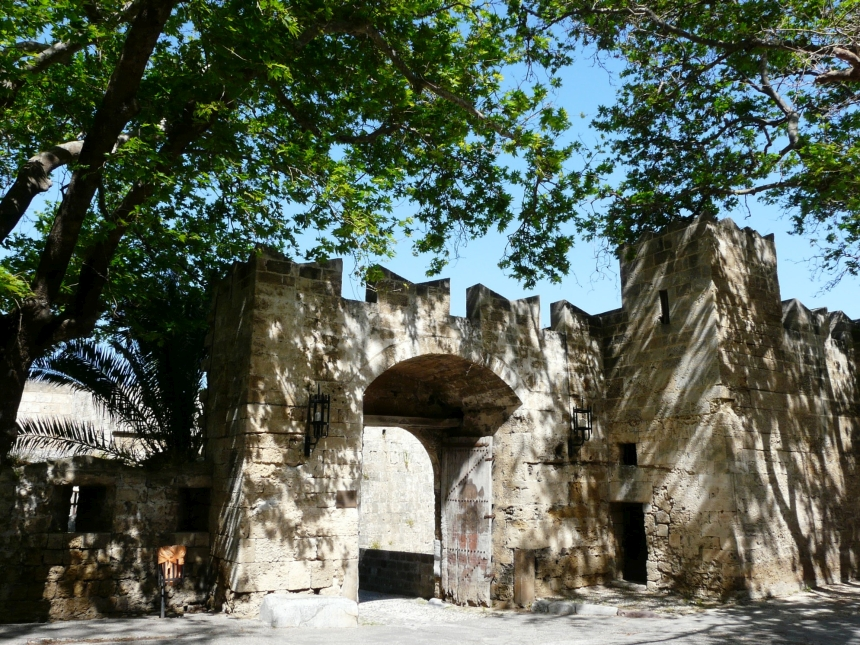 Miasto Rodos - mury otaczające miasto