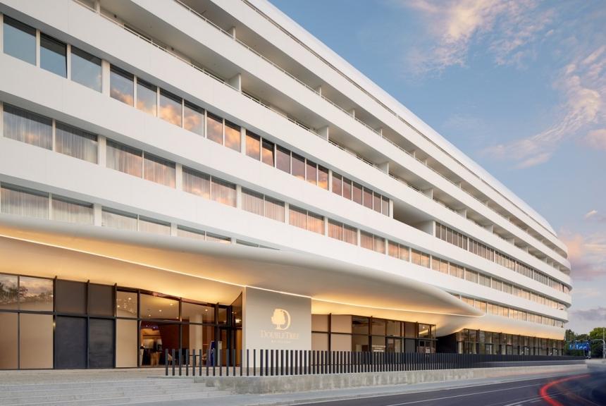 DoubleTree by Hilton Wrocław - budynek zewnętrzny
