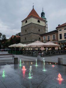Rynek zRatuszem iDzwonnicą