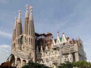 Sagrada Familia wBarcelonie, źródło: wikimedia