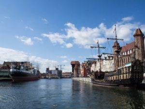 Gdańsk, Motława, widok ztramwaju wodnego F5