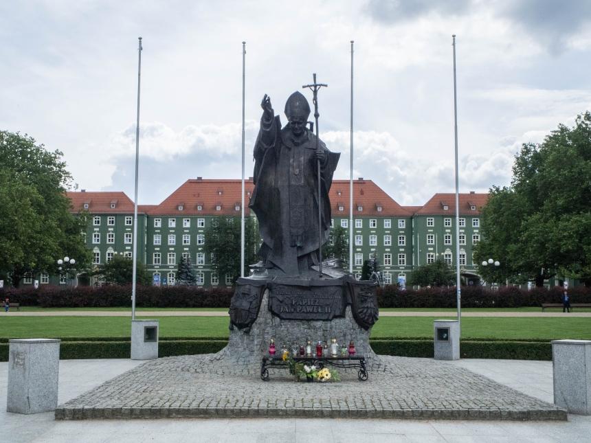 Pomnik Jana Pawła II, Jasne Błonia, Szczecin