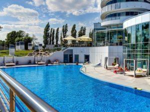 Basen odkryty - Copernicus Toruń Hotel