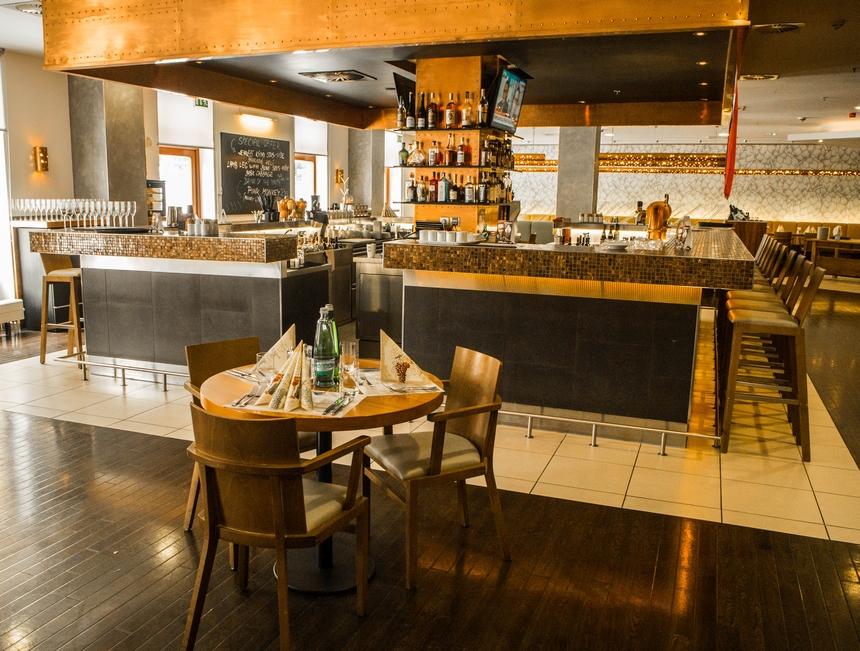 Restauracja whotelu Courtyard by Marriott Pilzno
