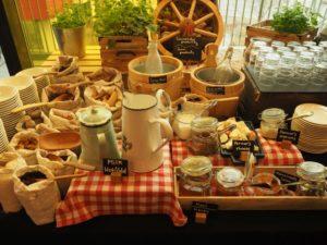 Śniadanie wrestauracji Sunlight whotelu Vienna House Easy Pilzno, Czechy