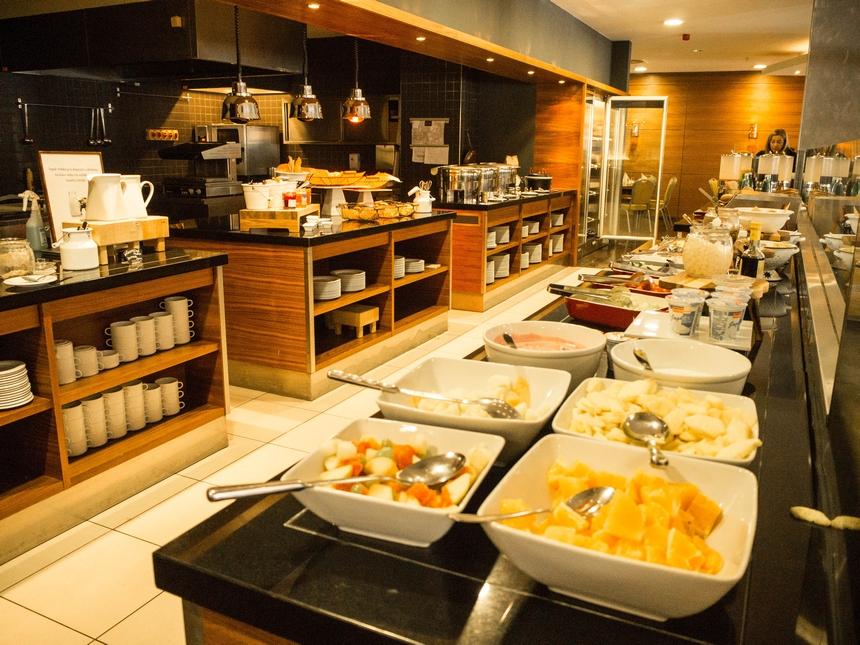Śniadanie whotelu Courtyard by Marriott Pilzno