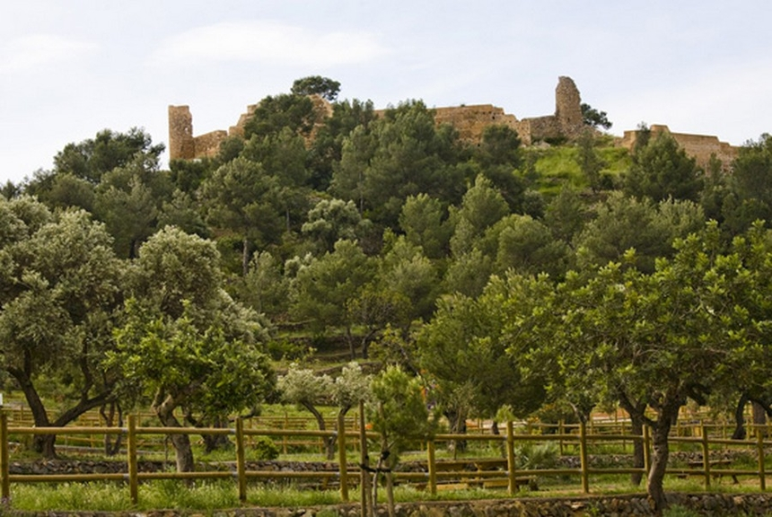 Castell Vell - zamek wCastellon położony nawzgórzu La Magdalena