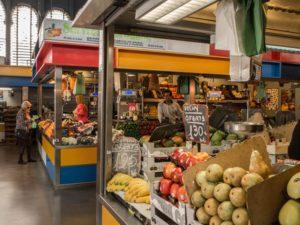 Mercado Central wMaladze - targ ze świeżymi owocami, warzywami, oliwkami