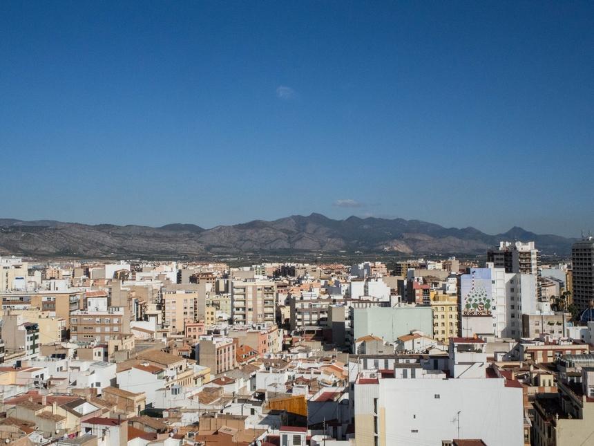 Widok zwieży El Fadrí, dzwonnica wCastellon de la Plana