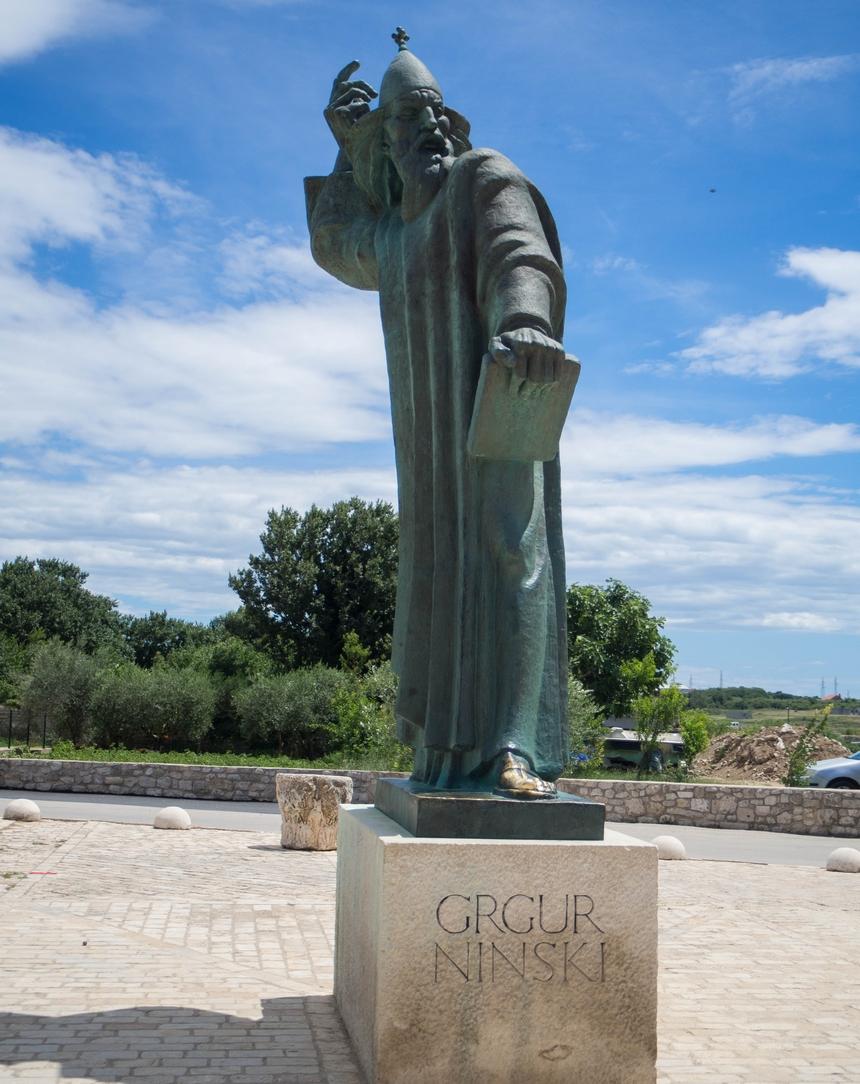 Posąg słynnego biskupa Grgura Ninskiego