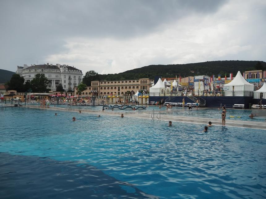 Baseny termalne (Thermalstrandbad), Baden bei Wien, Austria