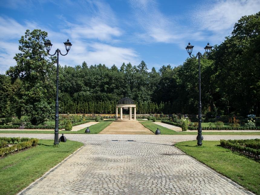 Ogród wPałacu Mała Wieś
