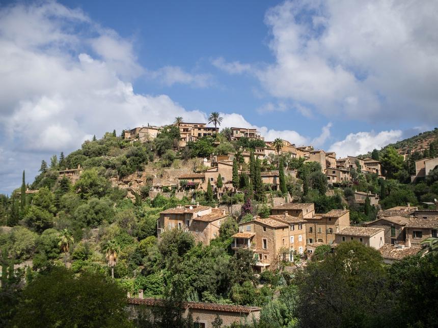 Deia - miasteczko wgórach, Majorka