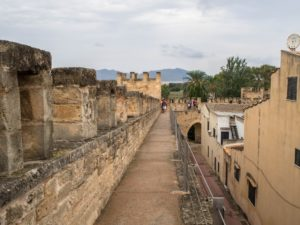 Alcudia otoczona jest murami obronnymi, Majorka