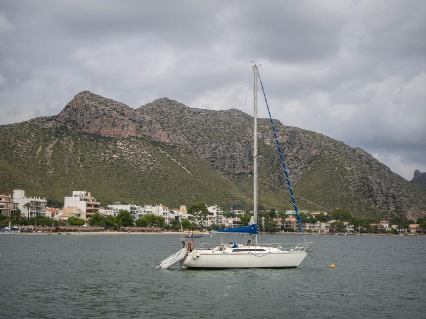 Widok nagóry wPort de Pollenca, Majorka