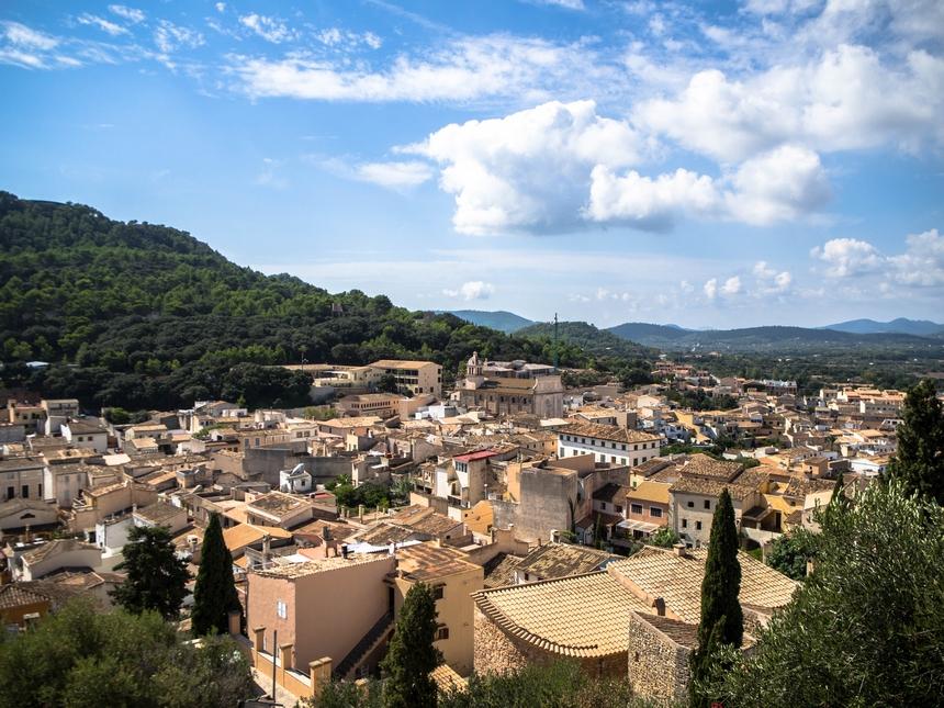 Widok ztwierdzy Castell de Capdepera namiasto, Majorka