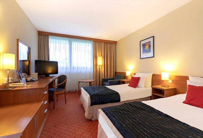 Pokój standardowy zdwoma pojedynczymi łóżkami, Mercure Karpacz Skalny