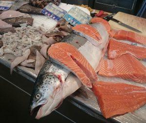 Świeże ryby naMercado Central, Kadyks
