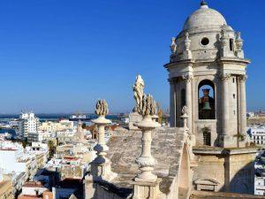 Torre del Reloj, wieża zegarowa - widok naKadyks, Andaluzja