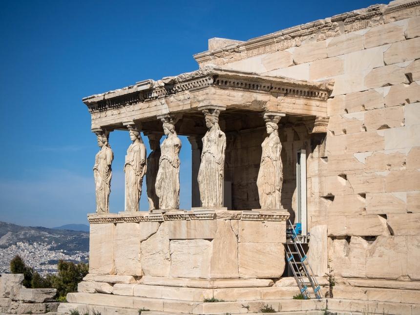 Kariatydy, Ateny