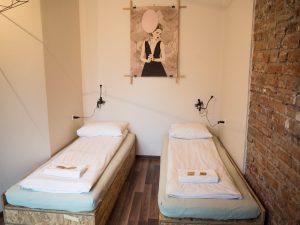 Pokój biały wLull Hostelu