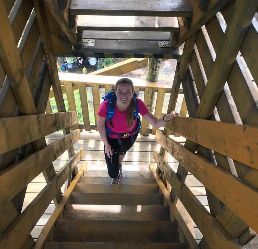Wejście nawieże widokową naCzernicy, Góry Bialskie