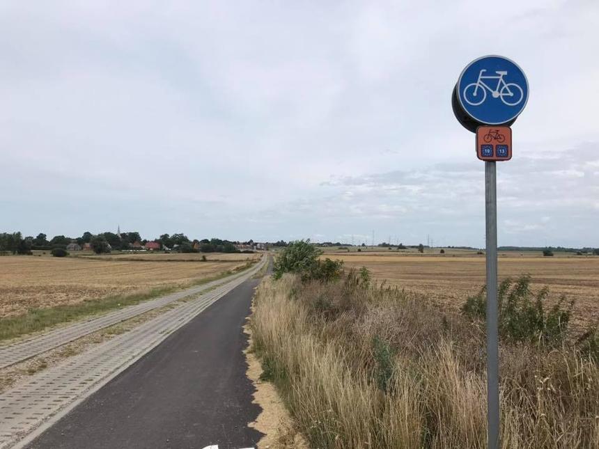 Jeden zodcinków trasy rowerowej R-10