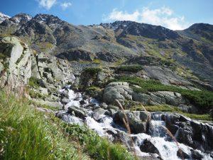 Widoki nagóry zżółtego szlaku naBystrą Ławkę, Tatry Wysokie