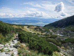 Widok naDolinę Furkotną ze szlaku zBystrej Ławki