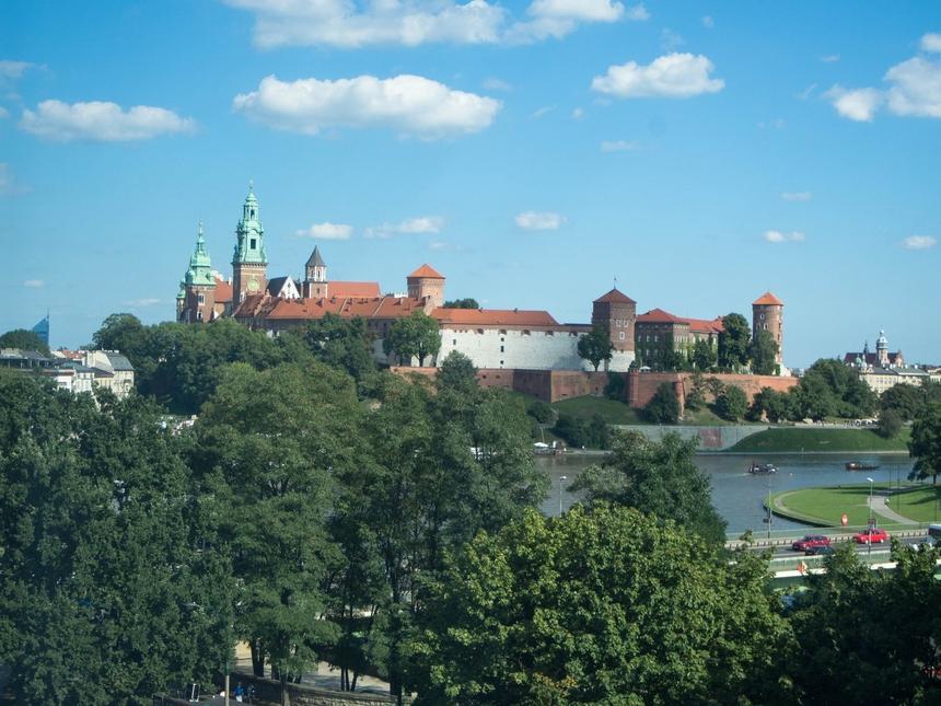 Widok naWawel zpokoju whotelu Novotel Kraków Centrum
