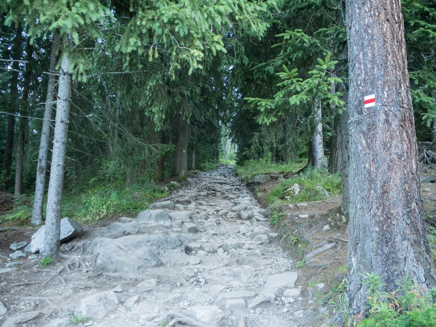 Czerwony szlak wdrodze naRysy, Tatry Wysokie