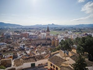 Villena - obowiązkowym punktem jest odwiedzenie zamku Atalaya, zktórego rozciąga się widok namiasto iokolice