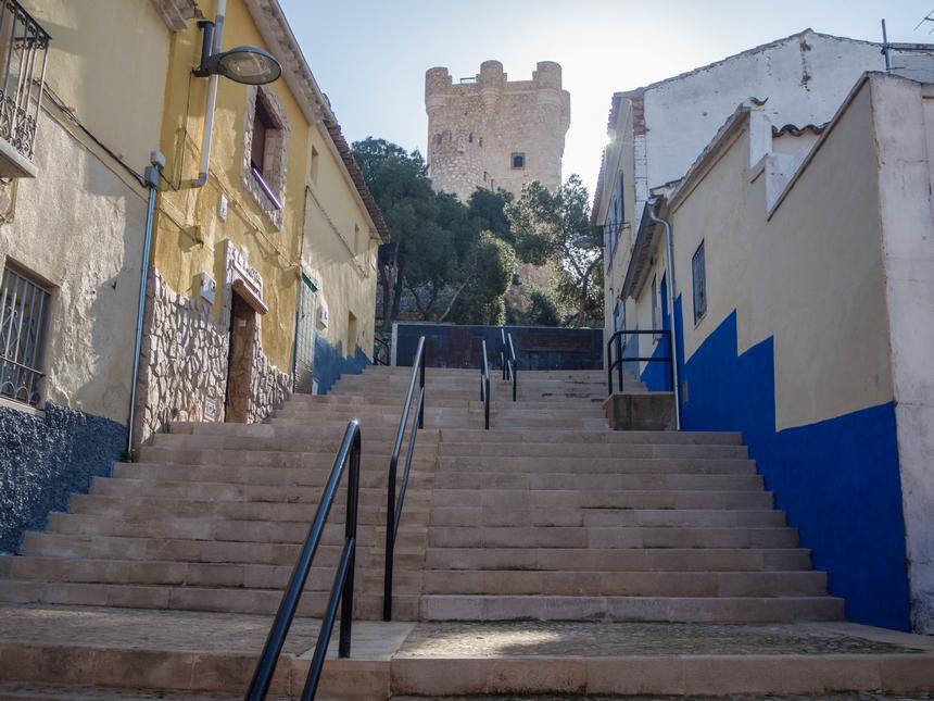 Widok nawieżę Torre del Homenaje, zamek Atalaya, Villena