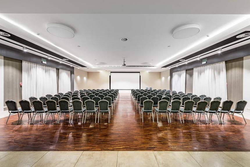 Jedna zsal konferencyjnych wArtis Loft Hotel