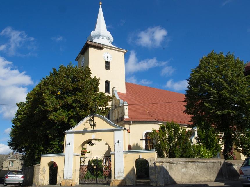 Kościół Rzymskokatolicki Pw. Wniebowzięcia NMP, Ostroróg