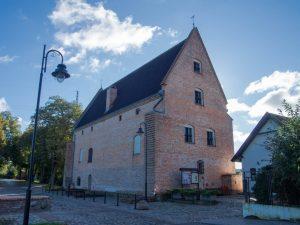 Muzeum Zamek Opalińskich - widok od strony rzeki Warty, Sieraków